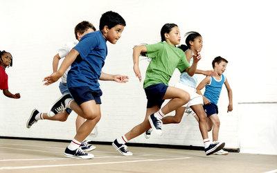 Criancas correndo get